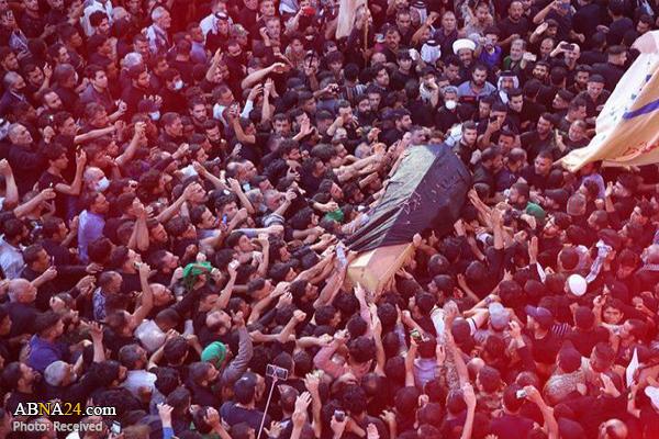 مراسم تشییع مرحوم کلب صادق نقوی رهبر برجسته شیعیان هند در شهر لکهنو